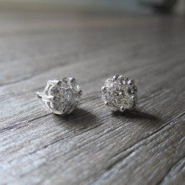 Diamonds earrings.