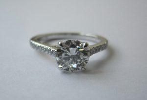 Bague diamants.