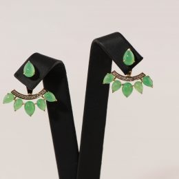 Chrysoprase and diamonds earrings.