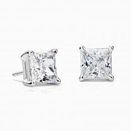 Boucles d'oreille diamant princesse.