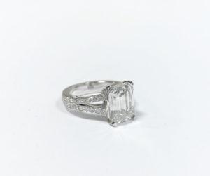 Bague diamant rectangle.