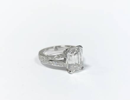 Diamond ring (Sold)