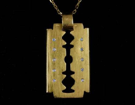Pendentif lame de rasoir or et diamant (Vendu)